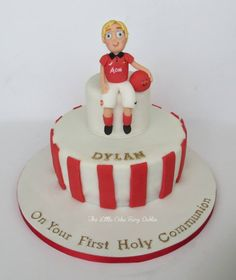 Communion Cake for Football/Man Utd mad Dylan!  www.littlecakefairydublin.com www.facebook.com/littlecakefairydublin Football Man Utd, Holy Communion Cakes, Confirmation, Cake Ideas, Holi, Fondant, Mad, Birthday Cake, Facebook