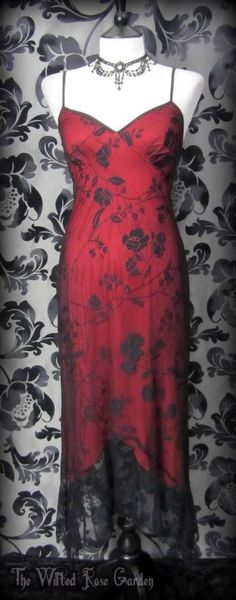 Romantic Gothic Black Blood Red Rose Lace Fishtail Wiggle Dress 12 14 Vtg Vamp | THE WILTED ROSE GARDEN
