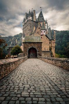 Castle Elz, Germany ... by Oliver K. - Photo 173954617 / 500px