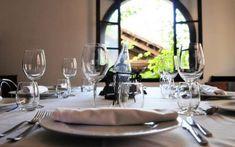 Vermut Rofes: un espai únic per a sopars de Nadal en grup Casa Gaudi, Table Settings, Restaurants, Cooking, Place Settings, Tablescapes