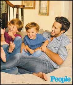 Luke Bryan with Bo & Tate-- this is the cutest thing ever Best Country Music, Country Music Videos, Country Music Stars, Country Musicians, Country Music Artists, Country Singers, Country Strong, Country Men, Country Girls