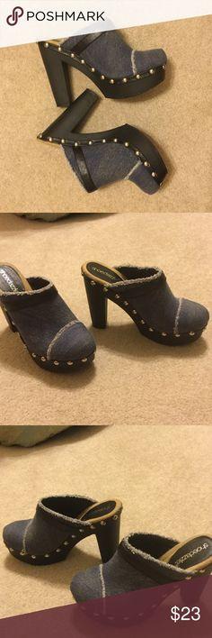 "Denim platform mules 💥FINAL MARKDOWN💥 Great shape! Worn couple times (no soiling or damage). Sturdy. Just over 5"" heel. 1.5"" platform. 💥15% Bundle savings! Shoedazzle Shoes Mules & Clogs"