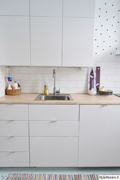 keittiö,keittiönkaapit,välitila,keittiön välitila,keittiön säilytys
