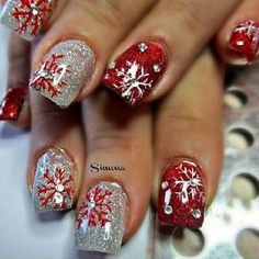 125 most beautiful and elegant christmas nail designs - page 38 > Homemytri.Com - Christmas Nail Art Designs Fancy Nails, Cute Nails, Pretty Nails, Christmas Nail Art Designs, Holiday Nail Art, Xmas Nails, Red Nails, Cute Nail Designs, Acrylic Nail Designs