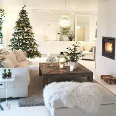 40 Cozy Christmas Living Room Design and Decor Ideas - decoration Decoration Evenementielle, Christmas Living Rooms, Cozy Christmas, White Christmas, Xmas, Scandinavian Christmas, Scandinavian Interior, Christmas Gifts, Winter House