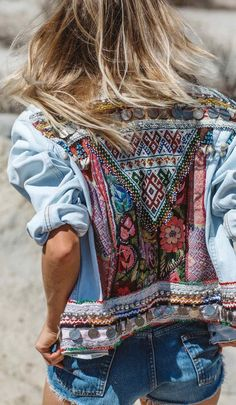 embroidery denim jacket boho fashion #bohofashion