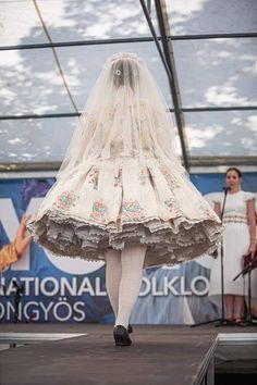 2019. XIX. Gyöngy Nemzetközi Folklórfesztivál Folk Costume, Costumes, Hungary, Traditional, Fashion, Moda, Dress Up Clothes, Fashion Styles, Fancy Dress