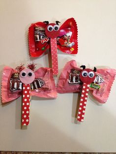 Valentine M&M butterflies. Cute, affordable and easy Valentine favors I whipped up. by heather Homemade Valentines, Valentines Day Party, Valentines For Kids, Valentine Day Crafts, Valentine Decorations, Valentine Ideas, Homemade Decorations, Valentines Recipes, Saint Valentin Diy
