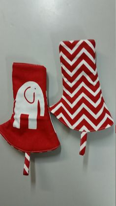 ELLE IN RED tula curved suck pads reversible chevron by SIBLINGS