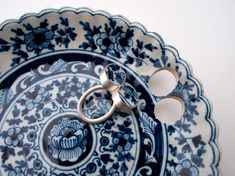 Jewelry made from Delft Blue pieces...this is so cool!