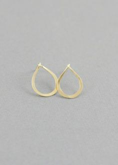 xs gold hammered teardrop
