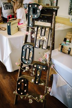 DIY photo lights for your Photobooth! Upcycle a vintage ladder to create your own photo sign. Portable Photo Booth, Diy Photo Booth, Wedding Photo Booth, Photo Booth Backdrop, Vintage Ladder, Wedding Fayre, Photo Lighting, Campervan, Wedding Signs
