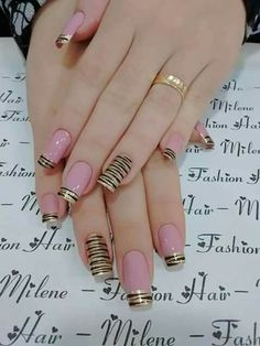 Hey there lovers of nail art! In this post we are going to share with you some Magnificent Nail Art Designs that are going to catch your eye and that you will want to copy for sure. Nail art is gaining more… Read Stylish Nails, Trendy Nails, Cute Nails, My Nails, Simple Nail Art Designs, Cute Nail Designs, Easy Nail Art, Fabulous Nails, Gorgeous Nails