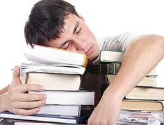 The Crazy, Screwed up Sleep Cycle of College Students: For students, sleep is both a necessity and a luxury in college.