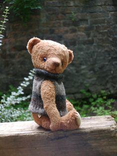 OOAK Artist teddy bear Henry/ viscose by yellowbluestudio on Etsy