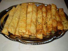 Sajtos rúd /amit nem lehet abbahagyni/ Rum, Tacos, Bread, Ethnic Recipes, Food, Brot, Essen, Baking, Meals