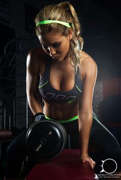 Fitness Chicks: Photo
