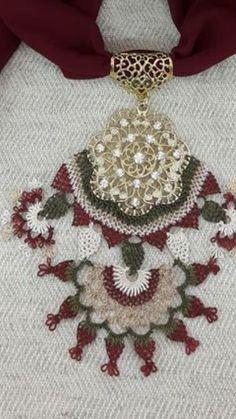 Alıntı Point Lace, Scarf Jewelry, Needle Lace, Needlepoint, Knots, Needlework, Diy And Crafts, Crochet Necklace, Jewels