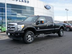 2015 Ford F-350 Lariat Platinum Truck Crew Cab. // #lakewoodford #fordtrucks #coloradoford