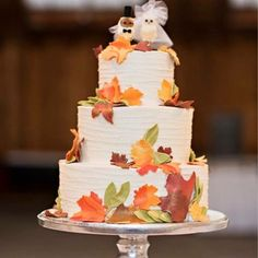 Town & Country Market - Photo courtesy of Courtney Bowlden Photography. Here is the cake from town and country with Fall fondant leaves. - Bainbridge Island, WA, United States