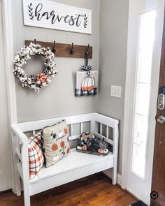 French Home Decor Fall buffalo check entry way with black white and orange decor.French Home Decor Fall buffalo check entry way with black white and orange decor Fall Home Decor, Autumn Home, Diy Home Decor, Decoration Bedroom, Entryway Decor, Entry Way Decor Ideas, Rustic Entryway, Foyer, Bench Decor