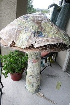 Giant paper mache mushroom for alice in wonderland party. Maybe use concrete instead of paper mache for something more permanent Mad Hatter Party, Mad Hatter Tea, Paper Mache Mix, Paper Mache Flowers, Paper Mache Tree, Alice In Wonderland Birthday, Alice In Wonderland Crafts, Alice In Wonderland Decorations, Alice In Wonderland Mushroom