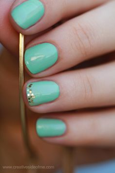 Mint Nails with Sparkle.