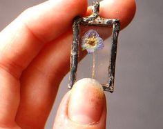 tiny blue flower display glass pendant