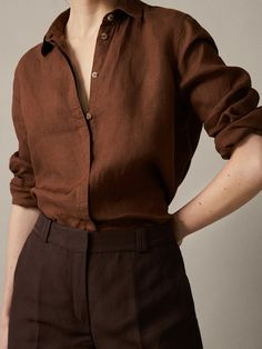 Discover blouses for women this at Massimo Dutti, must-haves this season. Find the latest scarf, tie-dye, floral or animal print blouses for a modern style. Coats For Women, Jackets For Women, Massimo Dutti Online, Shirt Blouses, Shirts, Brown Pants, Western Outfits, Elegant Outfit, Loafers For Women