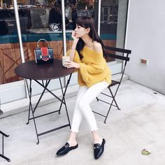 Casual Chic Fashion #Outfit #sarachu_ #Akiwarinda Casual Chic Style, Korean Style, Korean Fashion, Outfits, Home Decor, K Fashion, Suits, Decoration Home, Room Decor