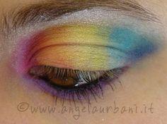 tutorial makeup Multicolor Rainbow semiaperto
