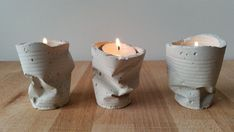 Pack of 3 candle holder of cement. -Designed to carry candles of tea up to 4 cm in diameter. cm high and cm in diameter. -Each candle holder includes 2 Concrete Crafts, Concrete Art, Concrete Projects, Concrete Design, Diy Projects, Cement Art, Diy Luminaire, Concrete Candle Holders, Selling Handmade Items