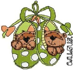 Two cute teddies cross stitch free embroidery design. Machine embroidery design. www.embroideres.com