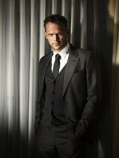 This blondie man is a Sexy Dream! Paul Bettany, British Men, British Actors, Most Beautiful Man, Gorgeous Men, Beautiful People, James Spader, Avengers Cast, Wanda And Vision