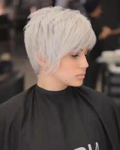Chic Short Hair, Short Grey Hair, Short Blonde, Short Hair Cuts, Short Hair Over 50, Short Messy Haircuts, Long Pixie Hairstyles, Short Cropped Hairstyles, Pixie Haircut Thick Hair