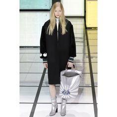Anya Hindmarch  #VogueRussia #readytowear #rtw #fallwinter2016 #AnyaHindmarch #VogueCollections