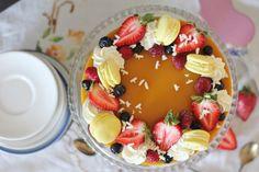 KakkuKatri: Mango-sitruunajuustokakku Christening Party, Fancy Desserts, Cheesecakes, Waffles, Breakfast, Pastries, Morning Coffee, Elegant Desserts, Baptism Party