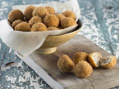 From the YOU test kitchen: Pork and potato croquettes Potato Croquettes, Creme Brulee, Test Kitchen, Food Inspiration, Dog Food Recipes, Pork, Potatoes, Yummy Food, Favorite Recipes