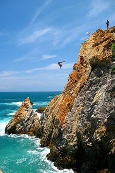 Cliff Diving in Acapulco Mexico...I read about this in a Sandra Cisneros novel and it looks so fun!!!