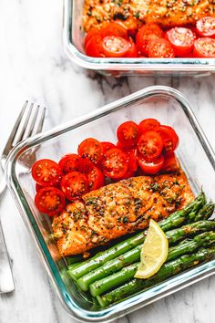 15 Minute Meal-Prep Garlic Butter Salmon with Asparagus - #mealprep #lowcarb #salmon #eatwell101 - This easy garlic butter salmon meal prep with asparagus is a great way to guide yourself into a healthier lifestyle. - #recipe by #eatwell101