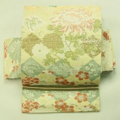 Spring flower pattern, nagoya obi / 生成り地 春秋の花柄 全通名古屋帯   #Kimono #Japan…