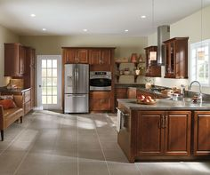 Diamond Prelude Woodhall Cherry Henna - Simple classic styling allows Woodhall to be a transitional style that goes with any décor. Transitional Kitchen, Transitional Style, Layout Design, Design Ideas, Kitchen Cabinet Design, Kitchen Cabinetry, Traditional Kitchen Cabinets, Simple Classic Style, Classic Doors