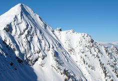 Beautiful peaks of Revelstoke Mountain Resort in British Columbia, Canada #Revelstoke