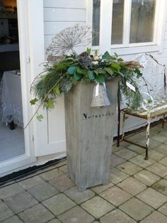 Christmas Planters - great idea for the front porch, use for planters in the holiday season!