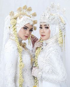 57 ideas bridal veil hijab for 2019 Kebaya Wedding, Muslimah Wedding Dress, Muslim Wedding Dresses, Hijab Bride, Wedding Hijab, Wedding Dresses Plus Size, Wedding Poses, Bridal Dresses, Muslim Brides