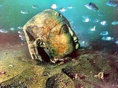 Head of a god from sunken city Thonis-Heraklion Mound Builders, Sunken City, Dark Queen, Heraklion, North Coast, Story Inspiration, Archaeology, North America, To Go