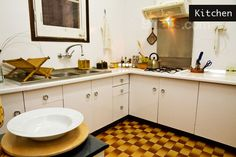 **Bargain: Bright, friendly and clean flat in the heart of Barcelona with transport to and from airport organised by host, upon request. Great connection to public transport and all the most important sites. €39/night for 2 people