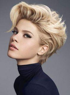 La coupe blonde rebelle (Camille Albane)