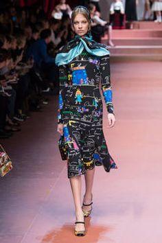 Dolce & Gabbana – Mailand Fashion Week Report Herbst/Winter 2015/16: Einen Überblick über die neusten Shows und Kollektionen der italienischen Designer von der laufenden Mailänder Modewoche gibt es hier.