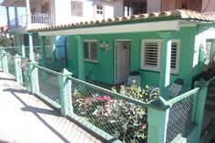 It is a quiet house where 4 people live. The house is 3 minutes from the city center, the stop is about 3 min. At home breathe clean air and tranquilo.Se speaks English, French and Bijou son of Antonio and Blanquita is funsion professional animator and professor of Cuban dances.